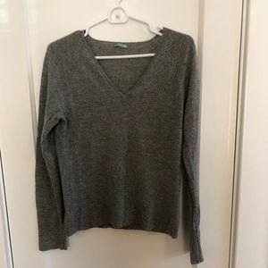 J Crew Cashmere V-neck Size Medium